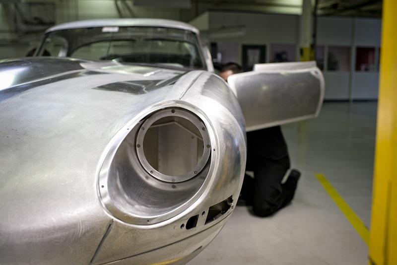 Jaguar-E-Type-Lightweight (2)