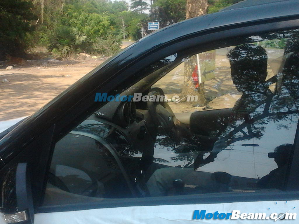 Mahindra-XUV500-Automatic-Aisin-spy-pic (2)