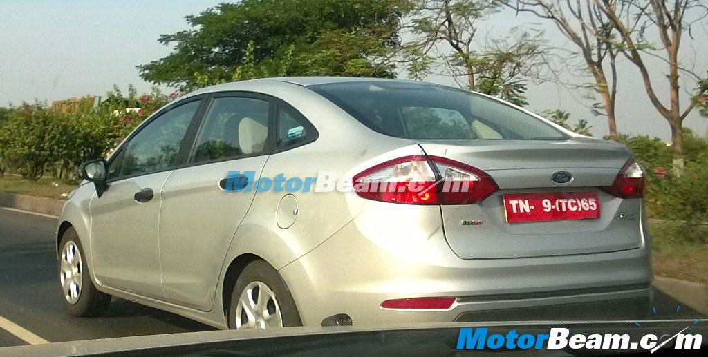 New-2014-Ford-Fiesta-Spy-Pics (2)