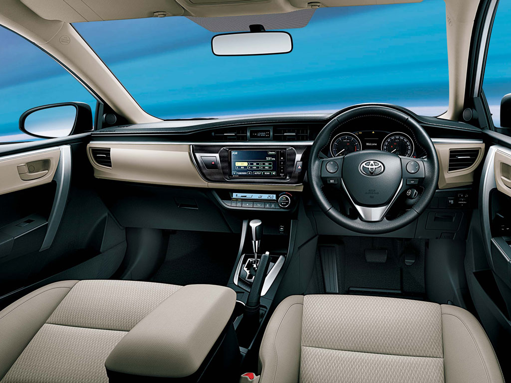 New-Toyota-Corolla-Altis-dashboard