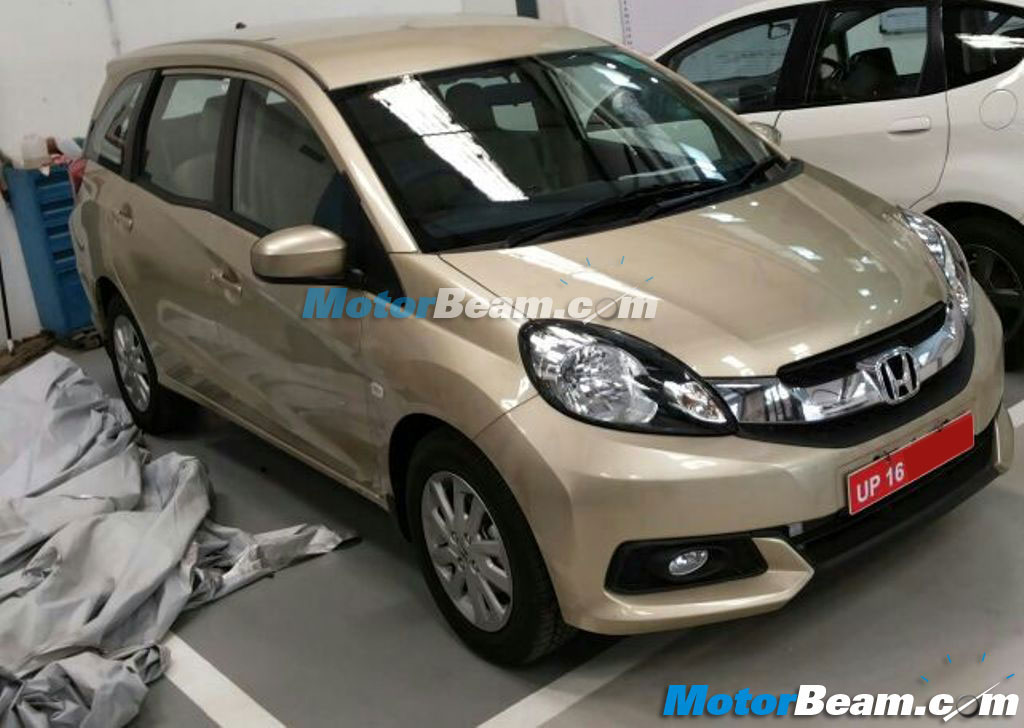 Honda-Mobilio-Dealership-Pics (2)
