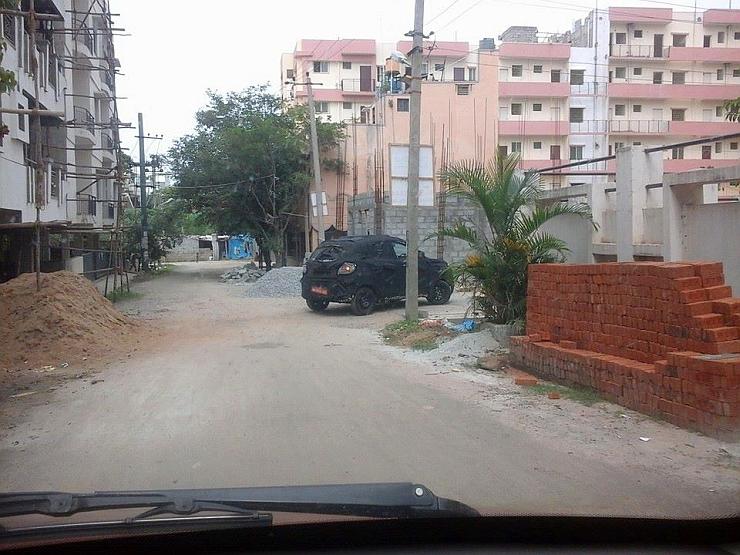Mahindra-S101-Compact-SUV-Spy-Pics (3)