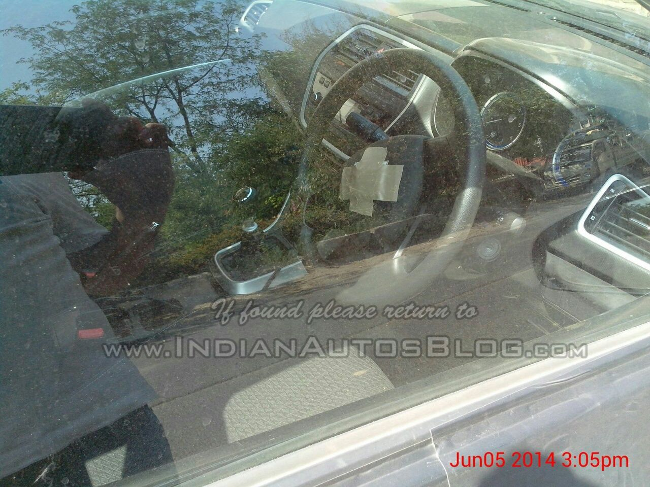 Maruti-S-Cross-Spy-Pic-India-interiors