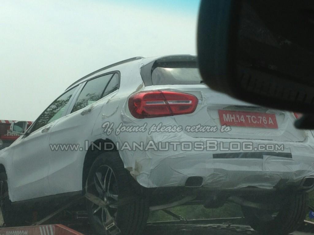Mercedes-GLA-India-Spy-Pics-Rear (1)
