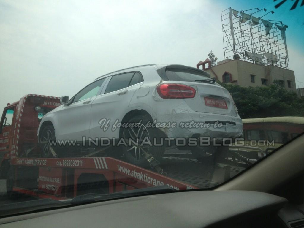 Mercedes-GLA-India-Spy-Pics-Rear (3)