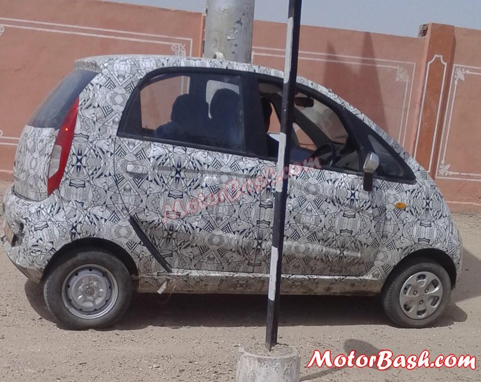 Tata-Nano-Facelift-tailgate-automatic (2)