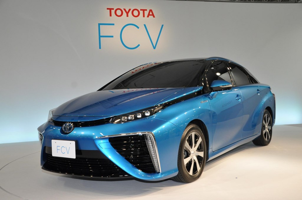 Toyota-FCV-Fuel-Cell-Vehicle (2)