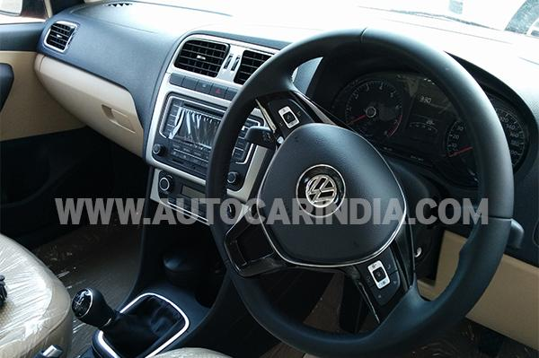 VW-Polo-Facelift-Spy-Pics-interiors