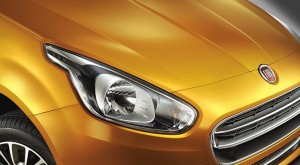 New-Fiat-Punto-Evo-Official-Pic-Headlamp