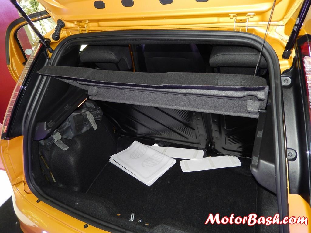 New-Fiat-Punto-Evo-boot-space