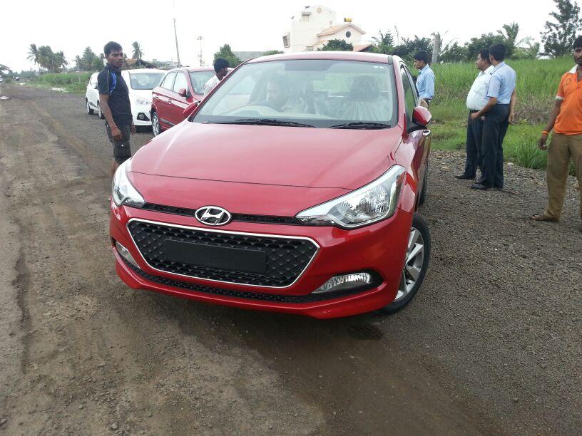 New-Hyundai-Elite-i20-Pics-Red-Front