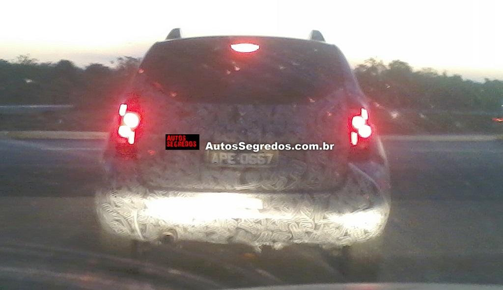 Renault-Duster-Facelift-Spy-Pics-Brazil (3)