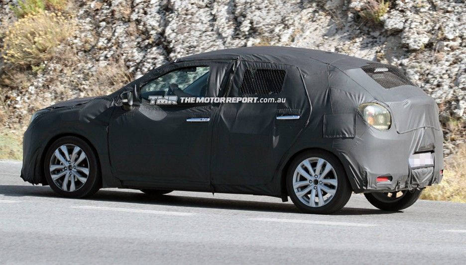 2015-Suzuki-Small-Hatch-over-swift-yra-side