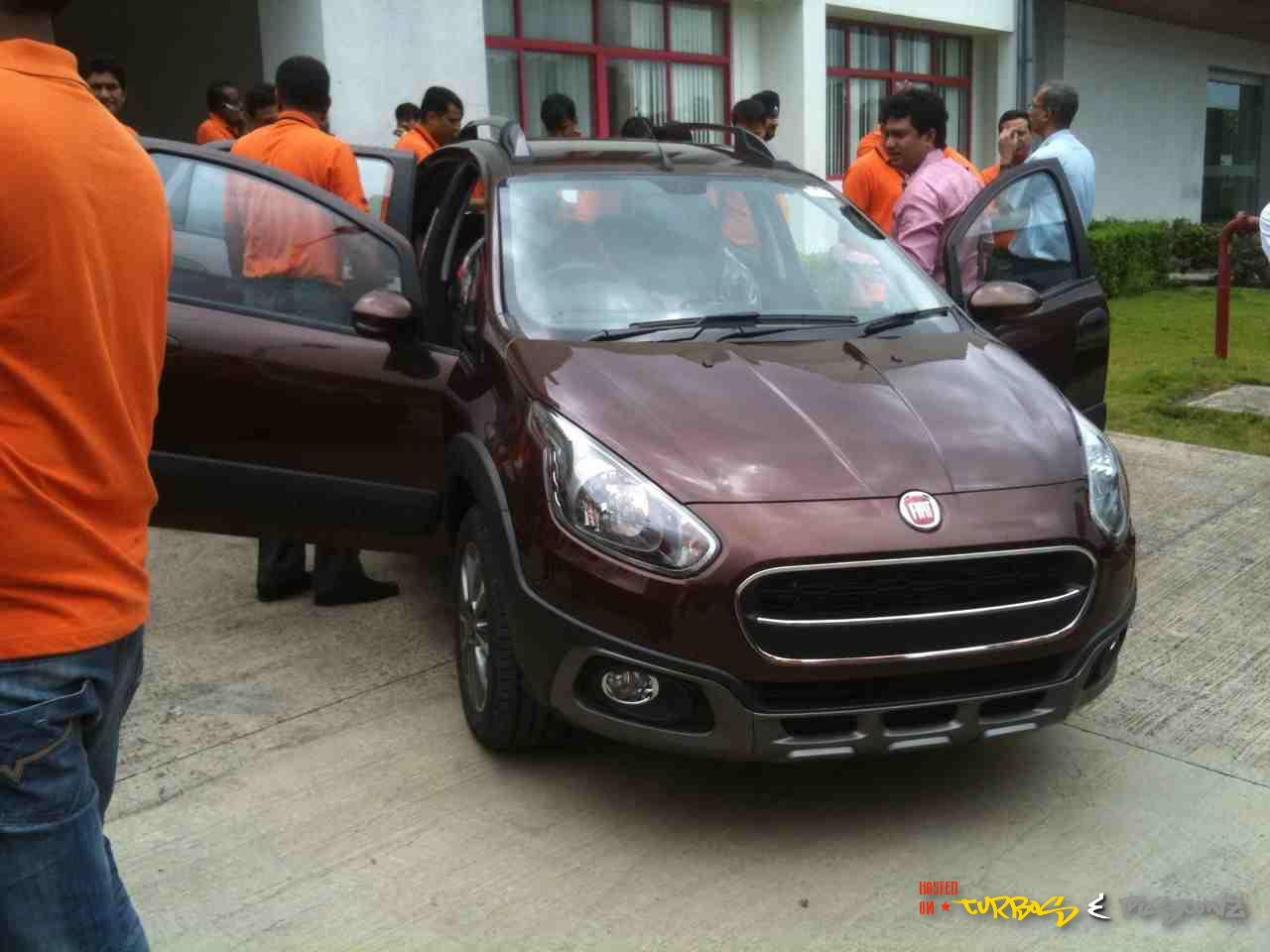 Fiat-Avventura-Pics-Bronzo-Tan-Color-Pic (3)