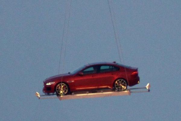 New-Jaguar-XE-Pics (3)