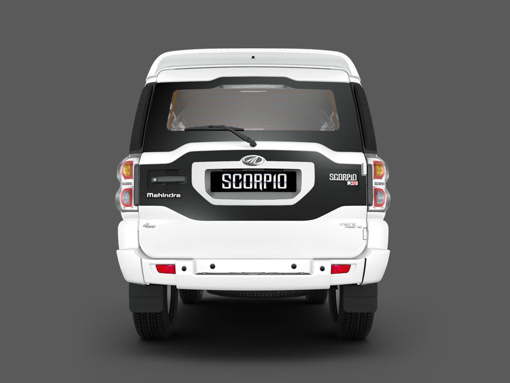 New-Mahindra-Scorpio-Pics-Rear