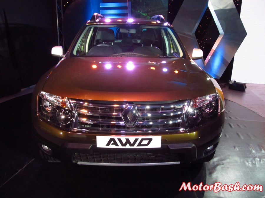 Renault-Duster-AWD-4X4-Pics-front
