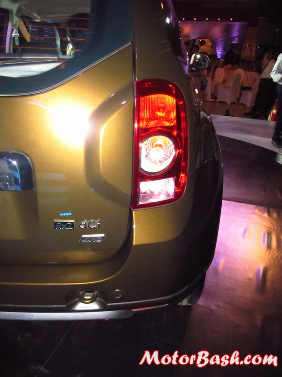 Renault-Duster-AWD-4X4-Pics-rear