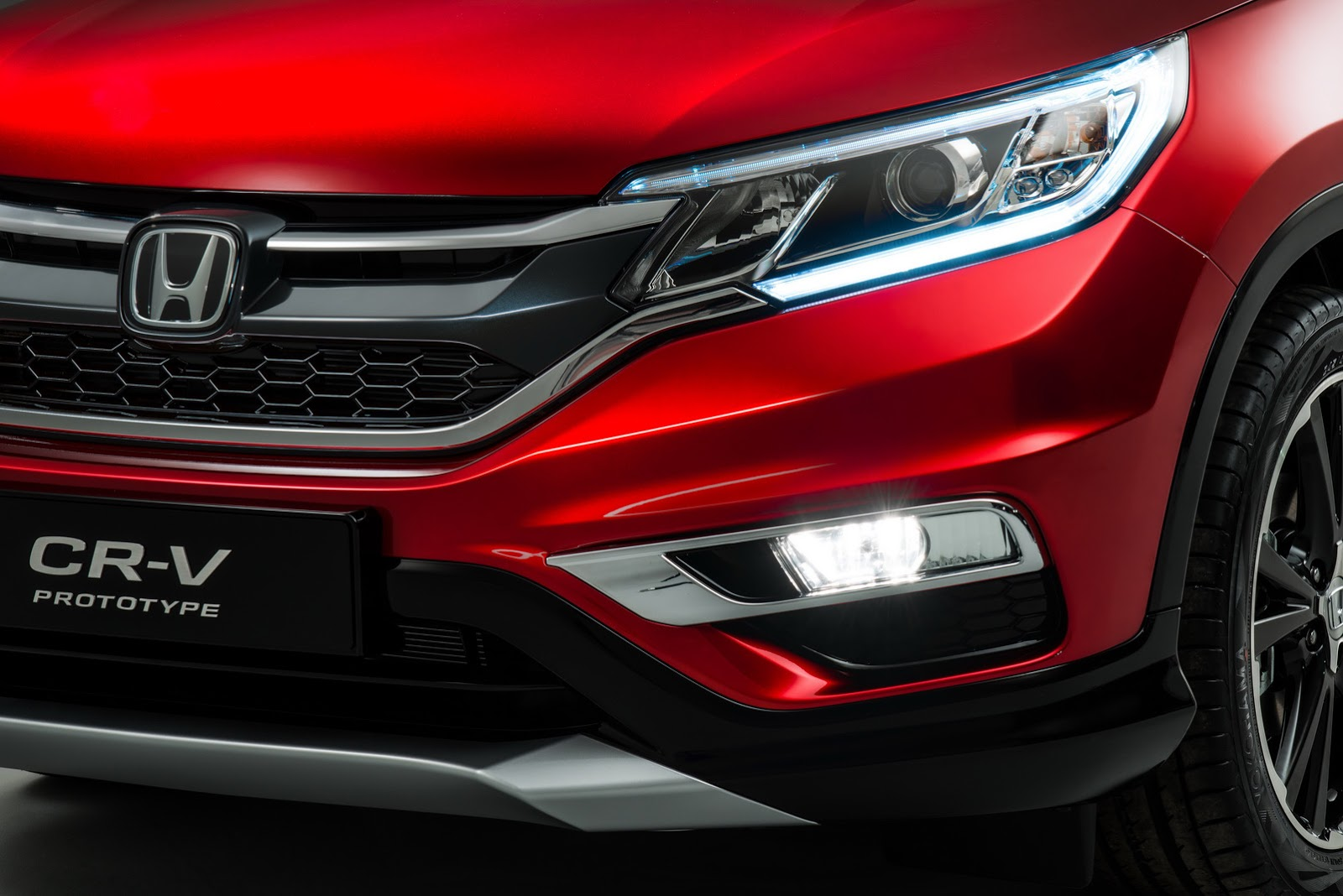 2015-Honda-CR-V-Facelift-Europe-1 (2)