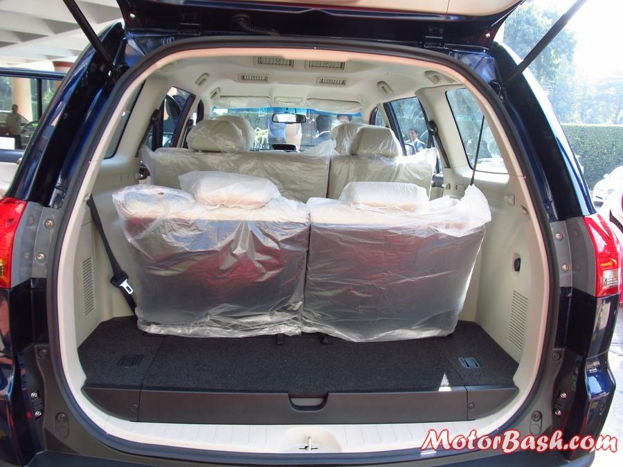 Mitsubishi-Pajero-Sport-Automatic-trunk