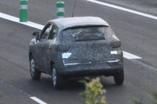 Renault-Low-Cost-Sub-Duster-Compact-SUV-Crossover-Spy-Pics (2)