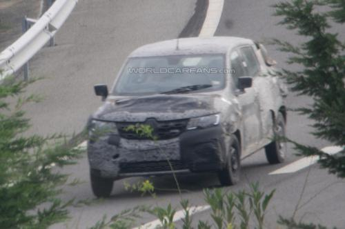 Renault-Low-Cost-Sub-Duster-Compact-SUV-Crossover-Spy-Pics (3)