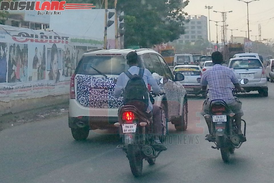 2015-Mahindra-XUV500-Spy-Pics (2)