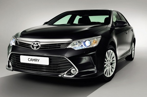 New-2015-Toyota-Camry-Pics-front