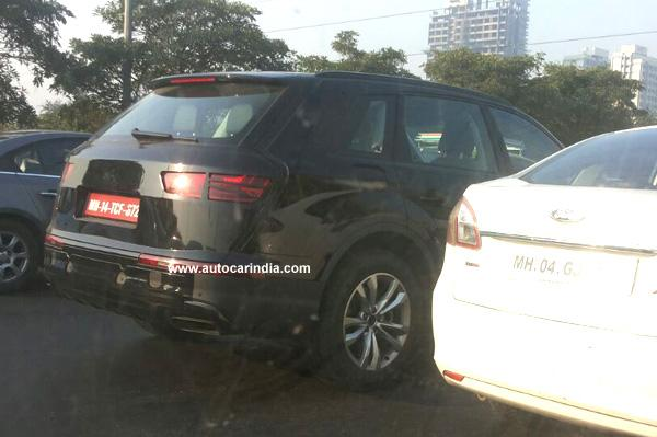 Next-Gen-Audi-Q7-Spy-Pic-India (1)