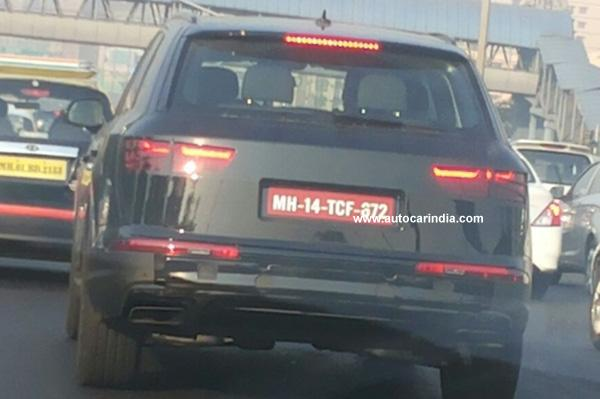 Next-Gen-Audi-Q7-Spy-Pic-India-rear