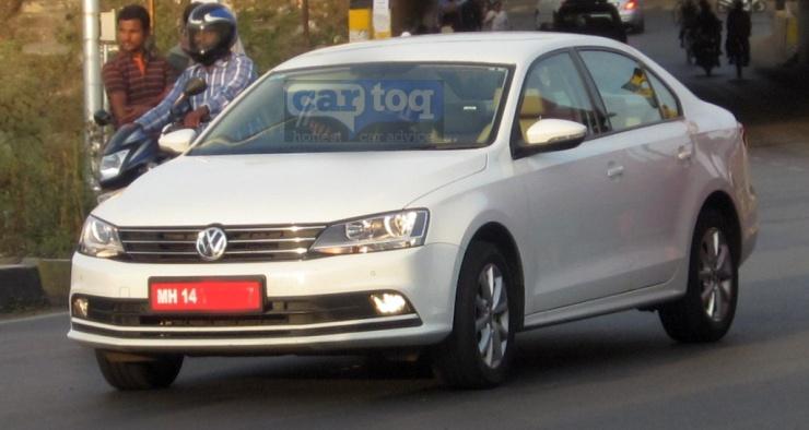 2015-Volkswagen-Jetta-Facelift-Spy-Pic-India-Front