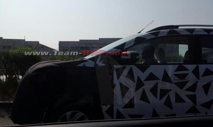 Chevrolet-Spin-MPV-Spy-Pics-India (1)