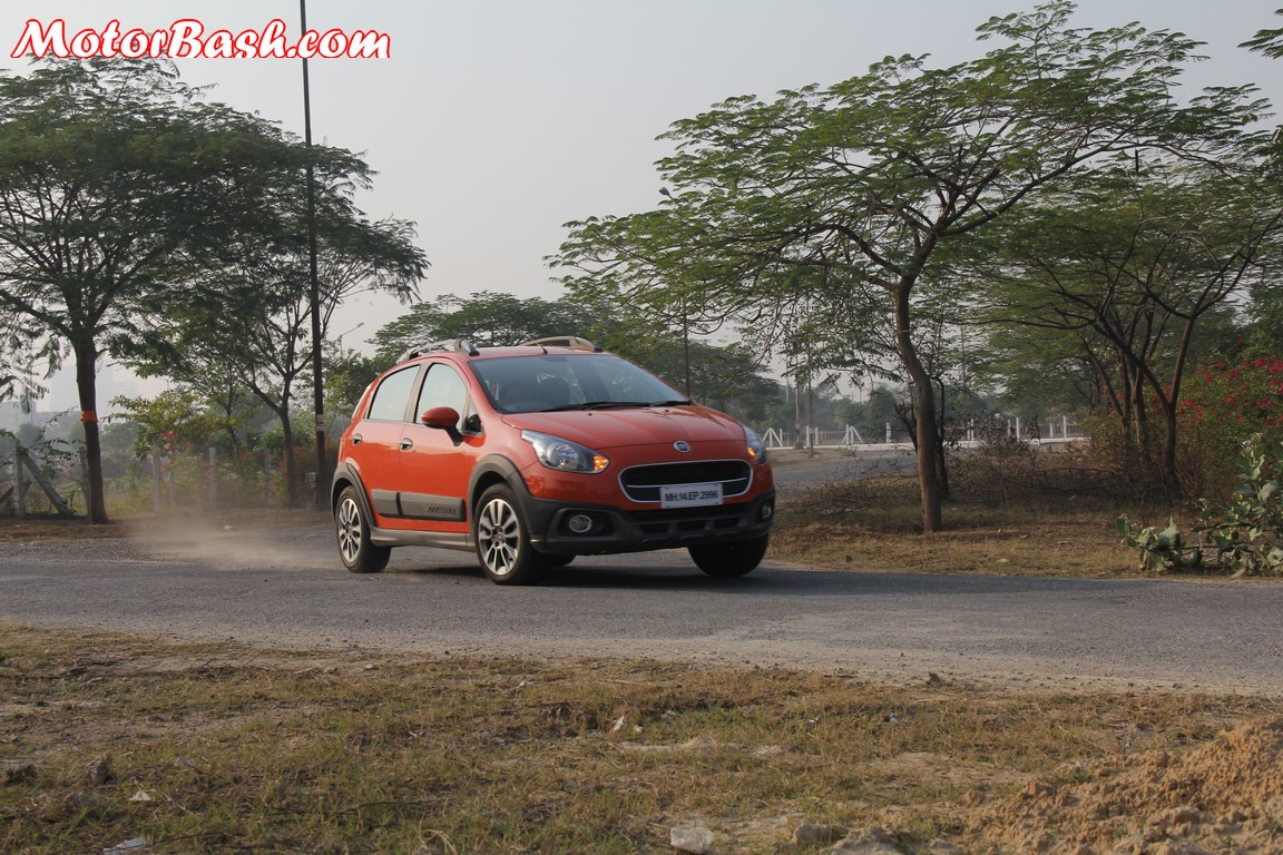Fiat Avventura cornering shot