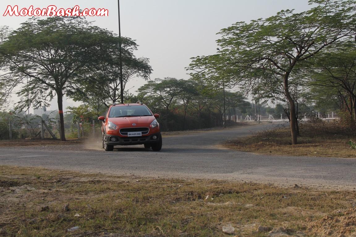 Fiat Avventura cornering