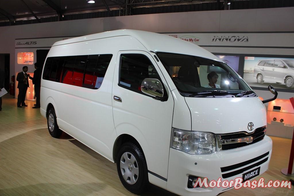 Toyota-Hiace-Pic-India (3)