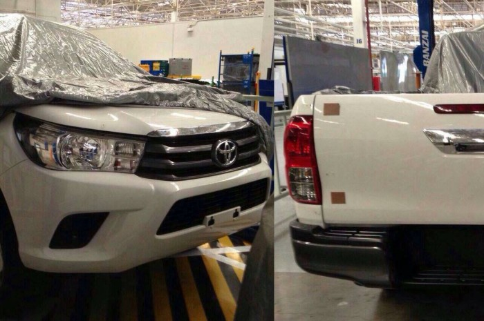 2016-Toyota-Hilux-Pic-Up-Spy-Pic