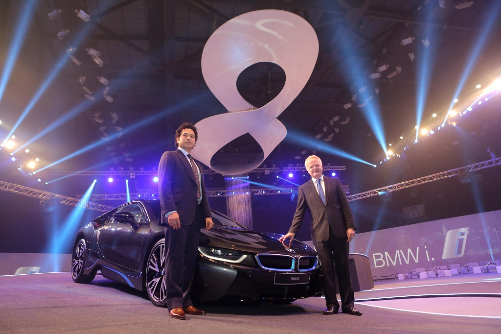 BMW-i8-India-Launch-Sachin-Pics (1)