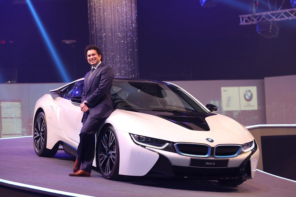 BMW-i8-India-Launch-Sachin-Pics (2)