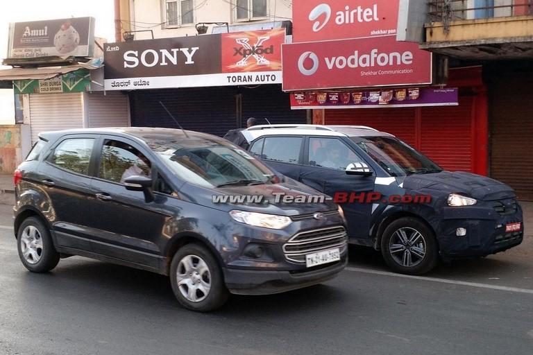 Hyundai ix25 vs Ford EcoSport 1
