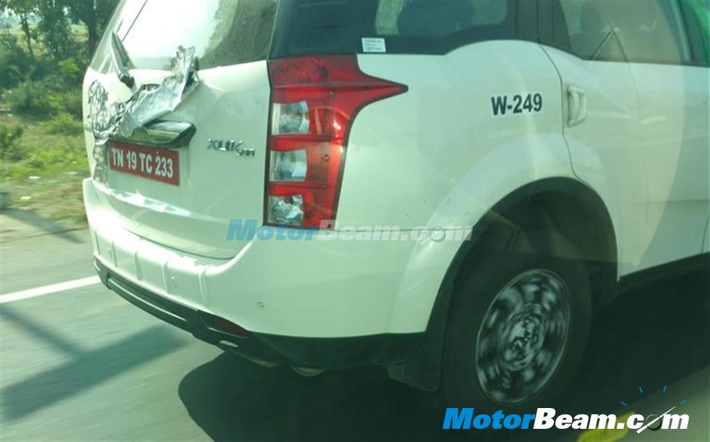 New-2015-Mahindra-XUV500-facelift-rear