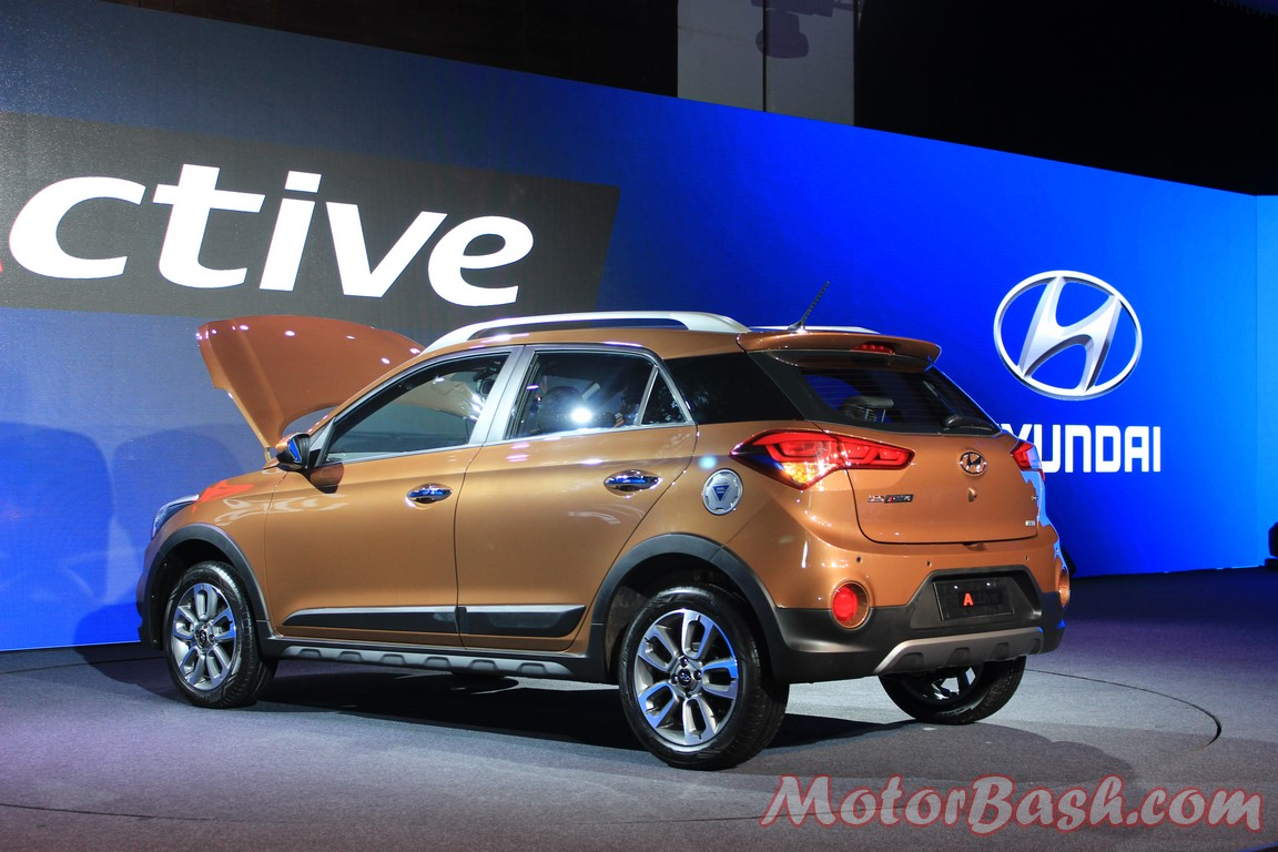 new hyundai i20 active launched price engine pics details. Black Bedroom Furniture Sets. Home Design Ideas