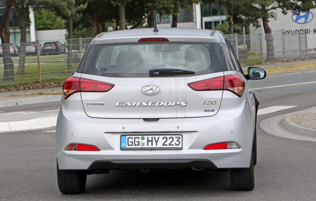 Hyundai i20 spy shot 3