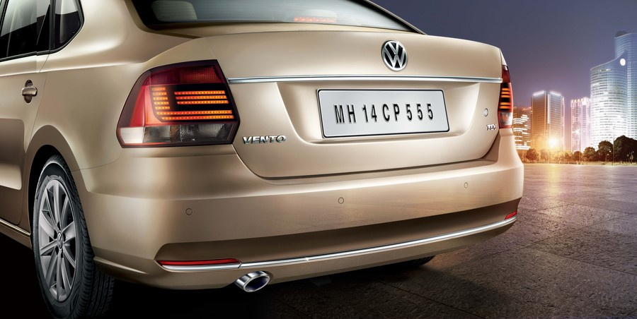 New-2015-Volkswagen-Vento-TAILLIGHT