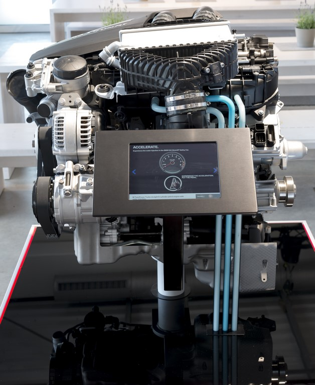 BMW Group, Innovation Days Efficient Dynamics 2015 Direct Water Injection Technology.  4
