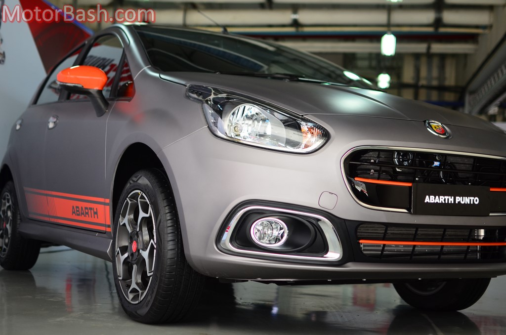 145hp fiat punto evo abarth preview pics. Black Bedroom Furniture Sets. Home Design Ideas