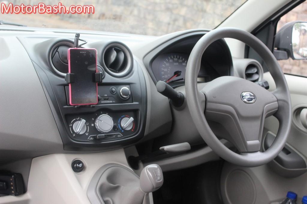 Datsun GO dashboard