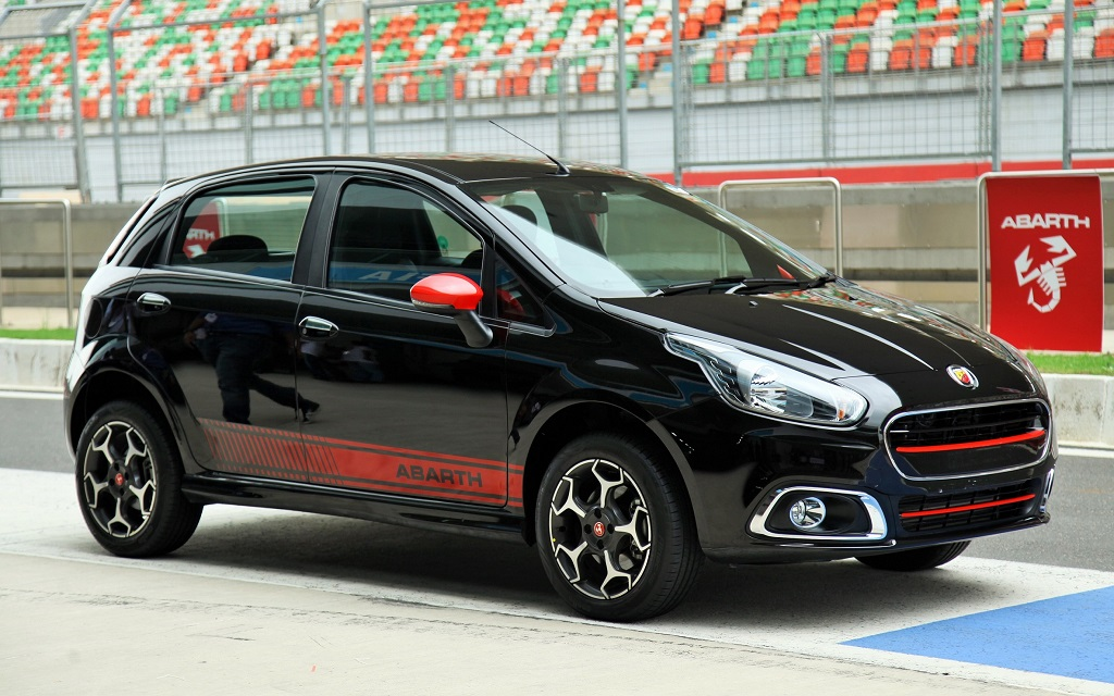 fiat confirms 145 hp punto abarth launch 39 in a month 39 bookings open. Black Bedroom Furniture Sets. Home Design Ideas