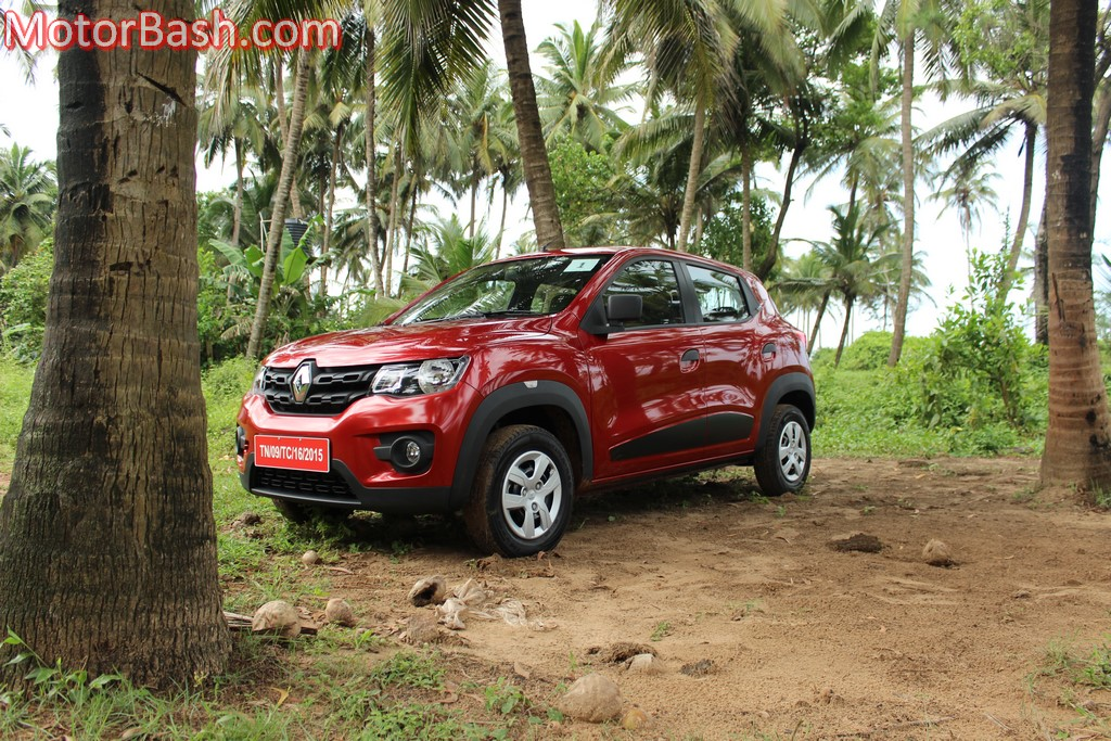 Kwid front three-quarters