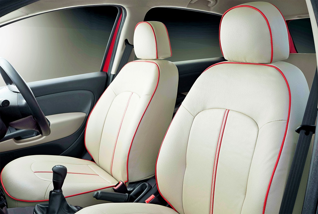 Punto-Sportivo-Red-Interior-Seats