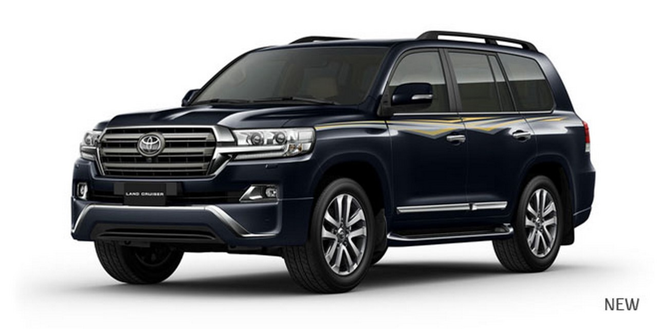 8th gen toyota land cruiser 200 launched in india at rs 1. Black Bedroom Furniture Sets. Home Design Ideas